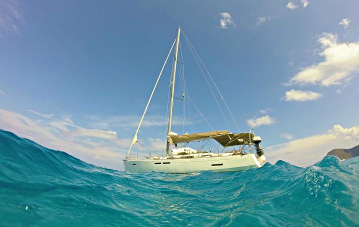 Otto sindaci in barca