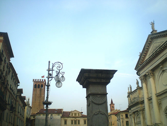 """""""Scomparsa"""" la statua di San Bassiano"""