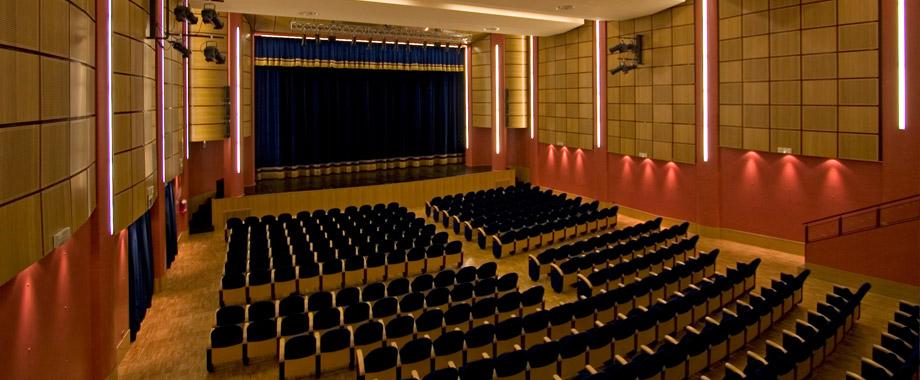Riprogrammare il teatro